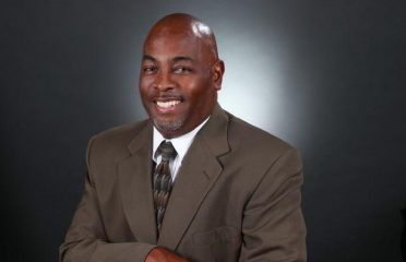 Calvin Williams ~ Realty One Group